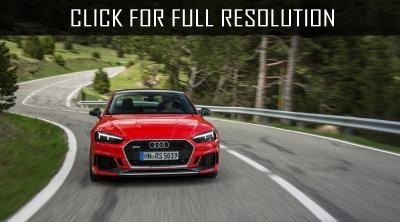 Audi company released carbon versions of RS4 and RS5